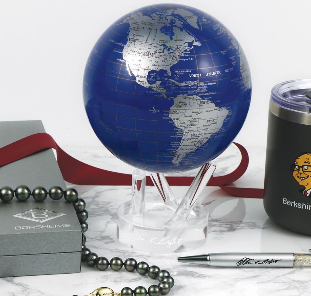 brk mova globe, pearls, pen
